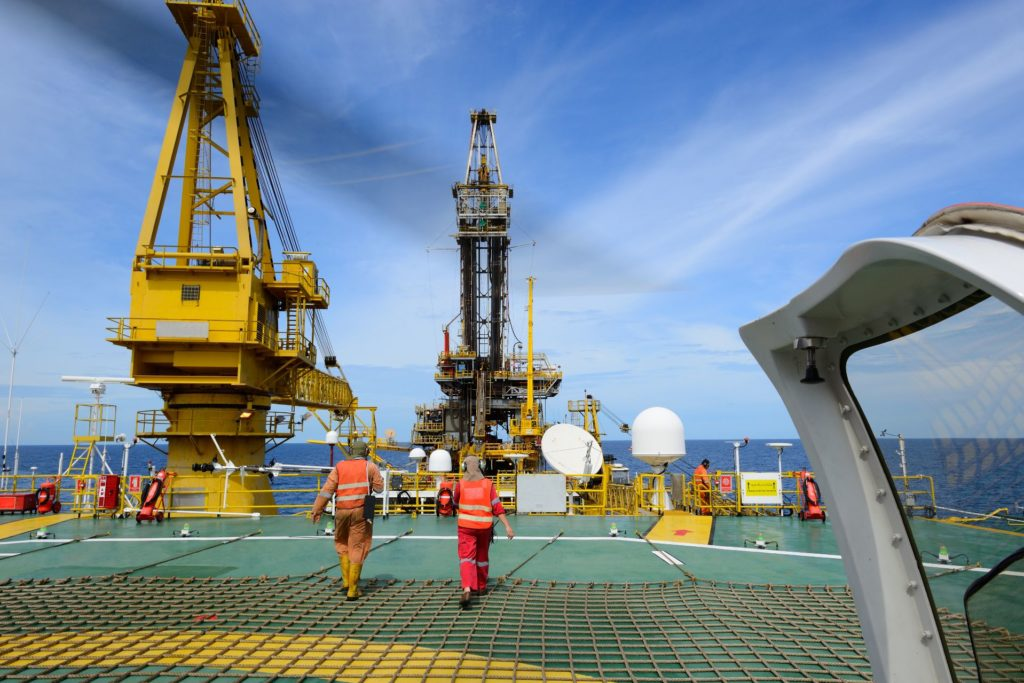 15 plataformas de petróleo chegarão ao brasil